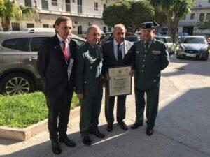 Eduardo Montoliu recibe el «reconocimiento» de la Guardia Civil de la Comunidad Valenciana por su contribución a salvar vidas