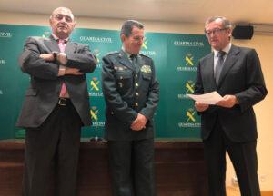 La Dirección General de la Guardia Civil cuenta con un desfibrilador cedido por España Salud y la HAGC