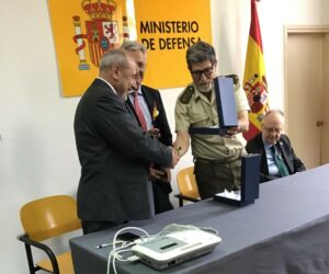 La HAGC impulsa la cesión de un electrocardiógrafo portátil a la Delegación de Defensa en Cataluña