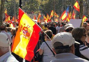 """La Cataluña silenciada inunda el centro de Barcelona para gritar """"¡basta!"""" y reivindicar la unidad de España"""