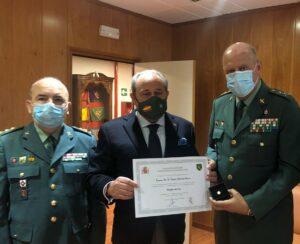 El general de Brigada Pedro Garrido, jefe de la 7ª Zona de la Guardia Civil, Insignia de Oro de la Fundación