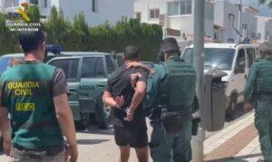 La Guardia Civil detiene en San Pedro de Alcántara (Málaga) a uno de los líderes del crimen organizado holandés
