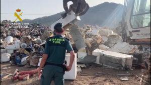 La Guardia Civil investiga a 22 empresas por emitir sin control a la atmósfera más de 35.000 toneladas de CO2