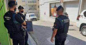 La Guardia Civil arresta a diez sospechosos de vender productos de imitación en establecimientos comerciales de la Jonquera