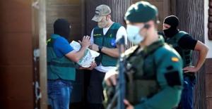 La lucha de la Guardia Civil contra el tráfico de drogas en el sur de España: 25 toneladas de droga y 200 detenidos al mes